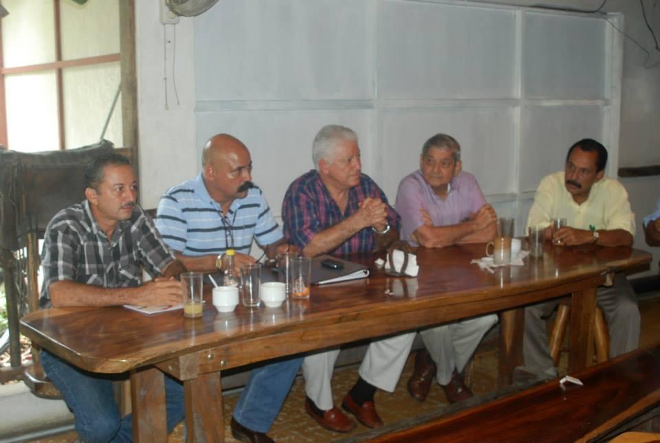 Santacruceños participaron de dialogo ciudadano, con el precandidato a la presidencia Jose Miguel Corrales.
