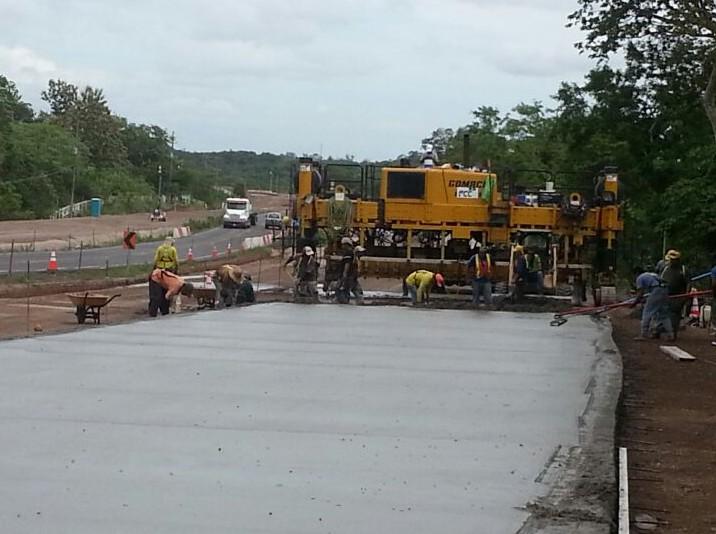 Carretera Cañas-Liberia con 11 Km de losa de concreto en carriles de ampliación
