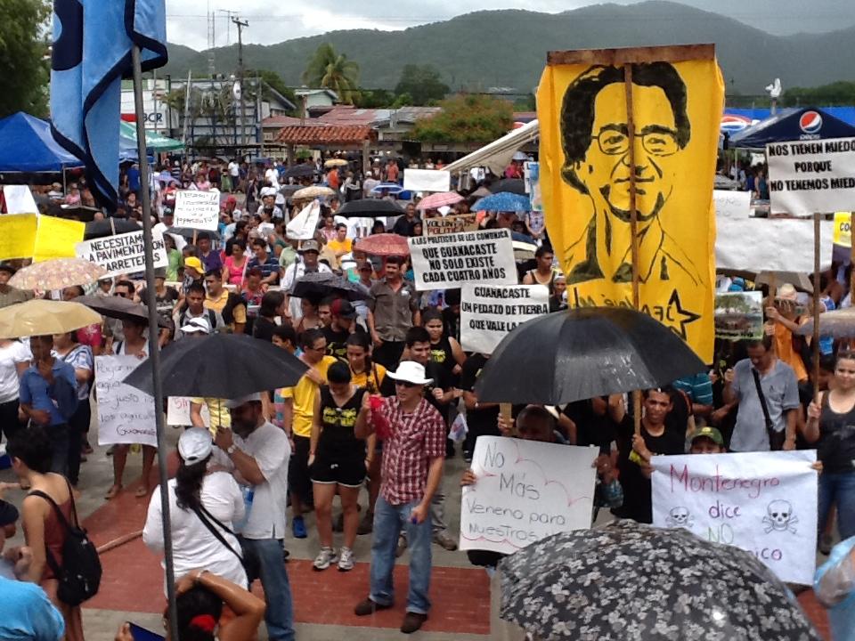Entre el sol y lluvia, concluyeron las manifestaciones en el Parque de Nicoya