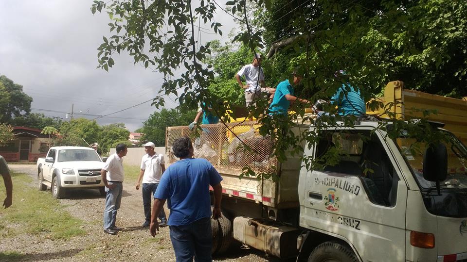 Campaña de Barrida contra el dengue en Santa Cruz deja 4280 kg de desechos y 600 kg de material reciclable