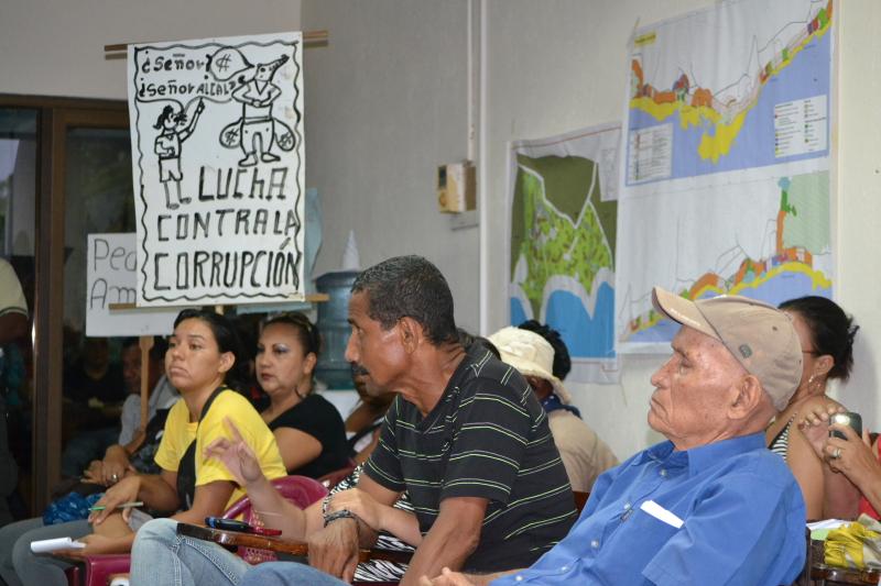 El Concejo Municipal de Santa Cruz pide al Alcalde parar remates de propiedades