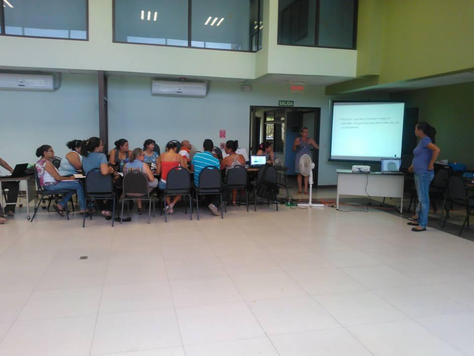 Centro de Recursos para la Educación Inclusiva (CENAREC) realiza Capacitación en Santa Cruz