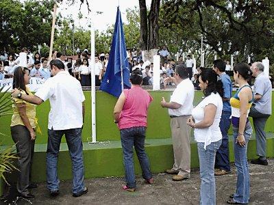 Area rectora de salud de Hojancha recibe Bandera Azul Ecológica