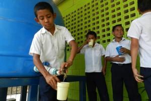 Autorizan al AyA contratación directa por ¢1.000 millones para tratar agua con arsénico