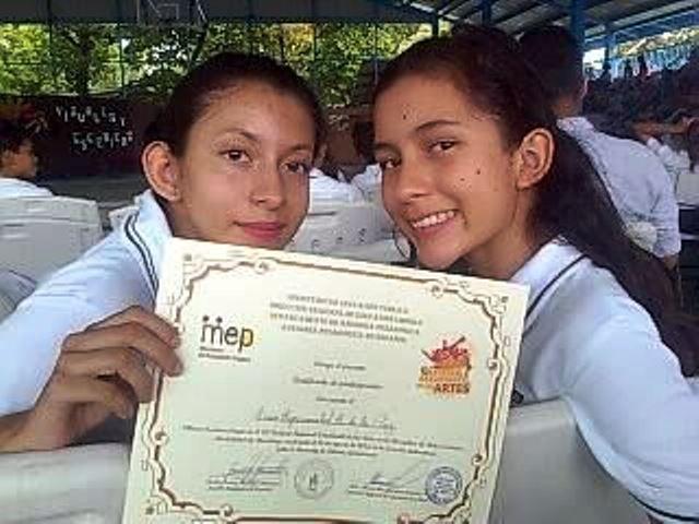 Mejor promedio del Liceo Experimental Bilingüe de La Cruz, será la enacarga de recbir la Antorcha