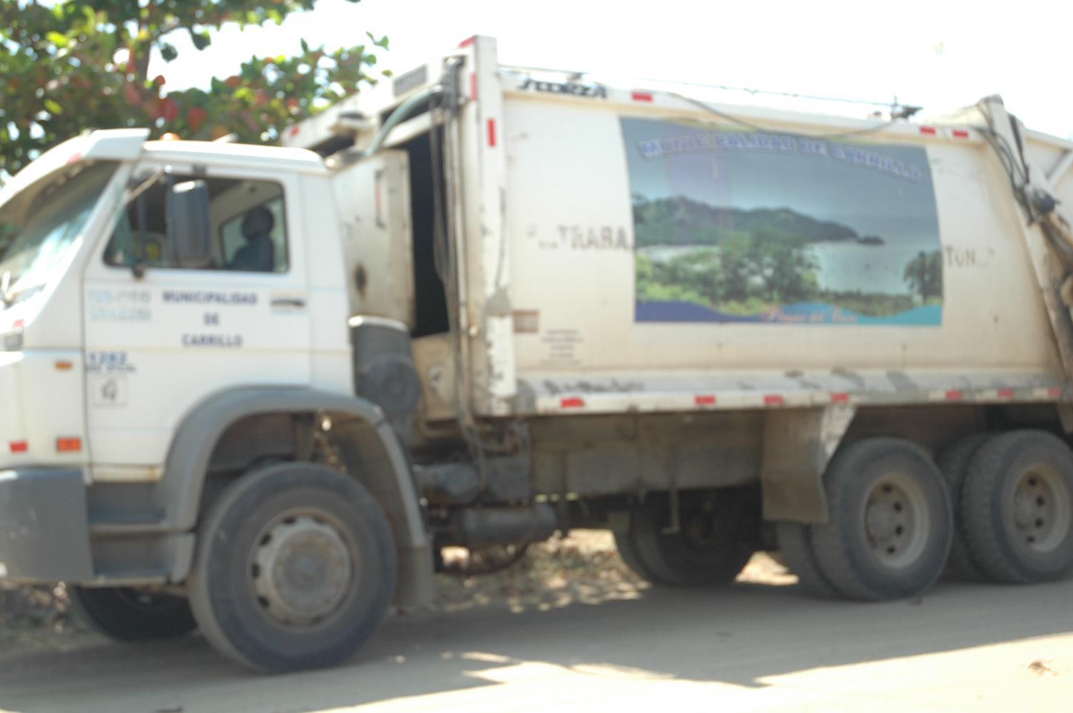 Municipalidad del Cantón de Carrillo, no está recolectando los desechos sólidos del Cantón