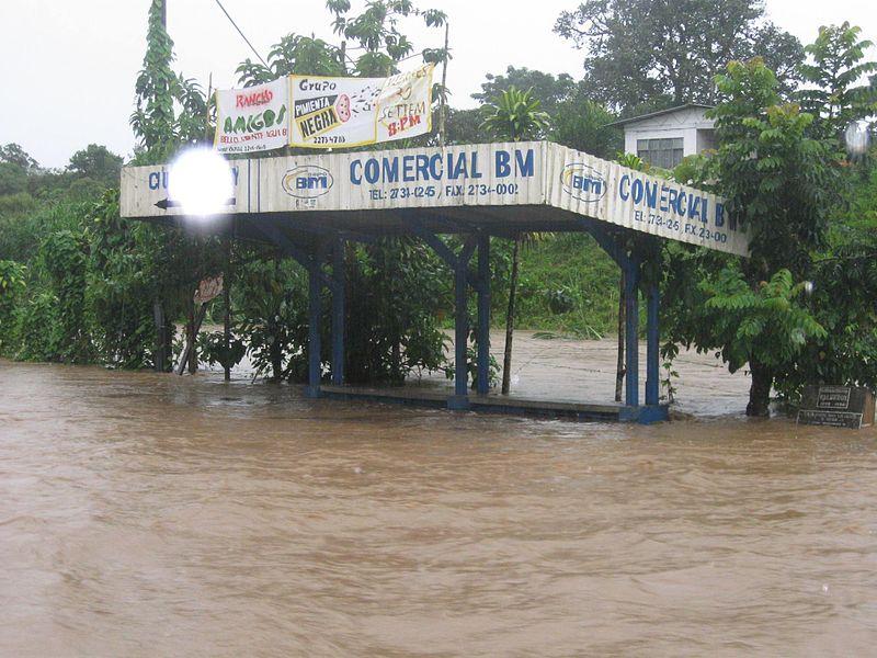 Fuertes lluvias afectan viviendas en Cañas