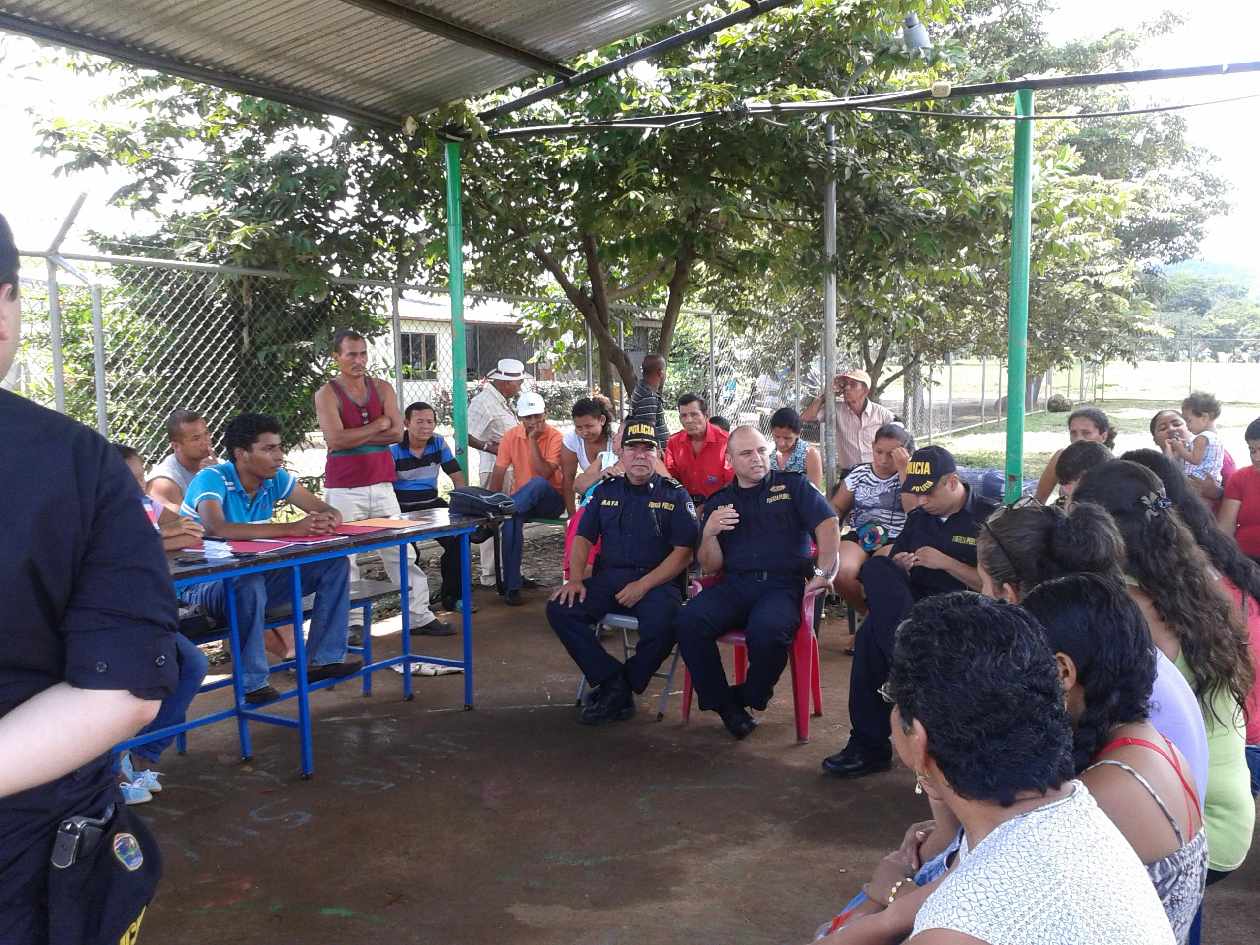 Fuerza Pública de Santa Cruz, se comprometió con mayor presencia Policial en Barrio Chorotega