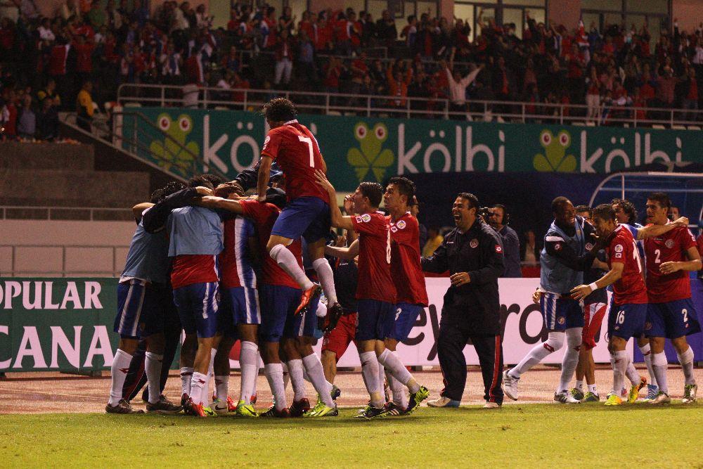 Costa Rica le pasa por encima a México; y los manda a disputar la repesca con nueva Zelanda