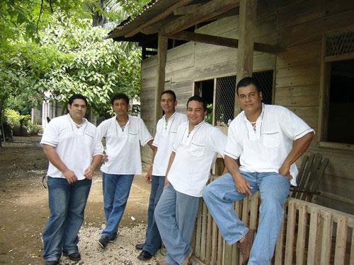 [Audio] Grupo Santacruceños los de la Bajura, celebran con disco Doble sus 23 años en Fundación
